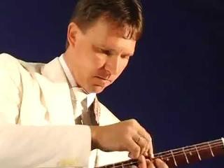 Виртуоз-гитарист Виталий Макукин