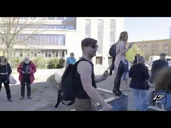 70 zig Jährige wird abgeführt bei Hygiene Demo vor 2 Wochen im Bereich der Volksbühne in Berlin