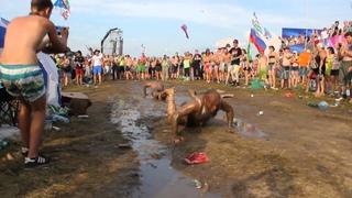 """Танцы в грязи! ))) или как я ездил на """"Нашествие"""" 2013"""
