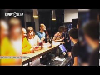 Видео: Егор Иванов устроил прощальную вечеринку в баре в Иннополисе