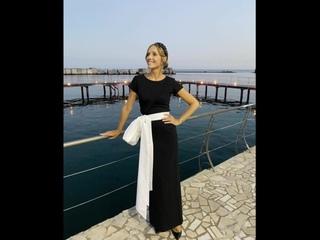 В элегантном платье с бантом: Катя Осадчая восхитила безупречным образом.