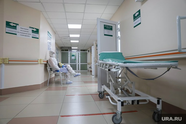 В РФ количество заболевших COVID перевалило за вос...