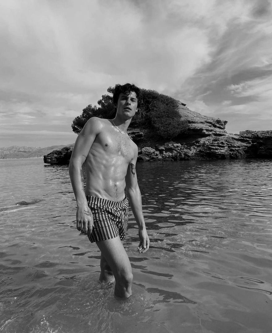 фото из альбома Shawn Mendes №3