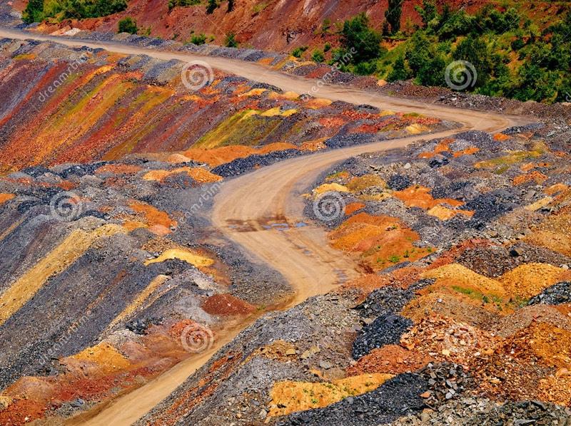 Земля один огромный древний карьер, изображение №95