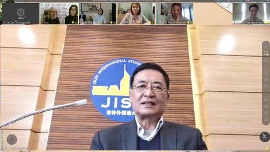 Дун Гуанцай - ректор Института международных обменов при Цзилиньском университете иностранных языков