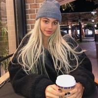 Kelsey Calemine, 0 подписчиков